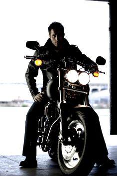My baby's bike! Harley Fat Bob, Harley Davidson Fat Bob, Harley Davidson Motorcycles, Saint Maximin, Bike Photoshoot, Photoshoot Ideas, Custom Street Bikes, Baby Bike, Dark Men