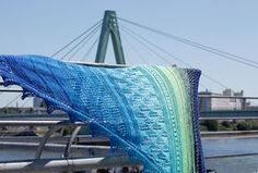 Dreieckstuch stricken - Blick auf Severinsbrücke Köln dreieckstuch stricken Dreieckstuch stricken mit dekorativer Spitzenkante – Tuch Vicky