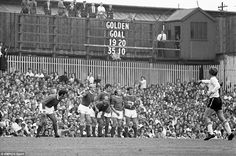 Derby v Manchester United in 1970 Watney Cup final