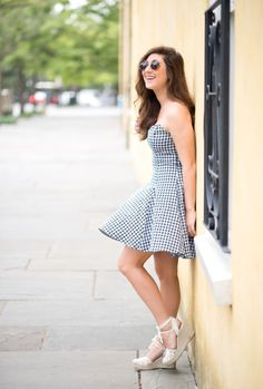 So in love with the strapless gingham sundress! The perfect summer dress.