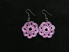 Ravelry: Project Gallery for Crochet Flower Earrings pattern by Olivia Munroe
