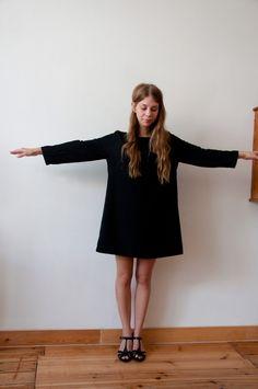 Black dress in crepe de Chine silk made on measure by lapetitenina