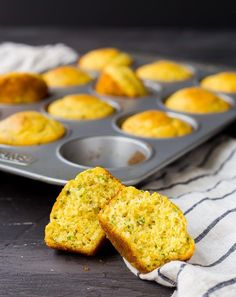 This Cornbread Muffin Recipe with Herbs and Cheddar takes your standard corn muffins up a notch thanks to flavorful herbs and rich, sharp cheddar. They're perfect with a bowl of chili! Cornbread Muffins, Corn Muffins, Herb Recipes, Bread Recipes, Brunch, Quick Bread, Muffin Recipes, Pain, Love Food