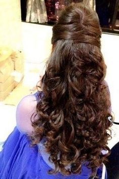 Top 9 Indian Engagement Hairstyles That Can Redefine Your Style wedding engageme. wedding engagement hairstyles 2019 - wedding and engagement 2019 Wedding Hairstyles For Long Hair, Bride Hairstyles, Hairstyles Haircuts, Trendy Hairstyles, Indian Hairstyles, Hair Wedding, Hairstyle For Indian Wedding, Open Hair Hairstyles, Wedding Hairdos
