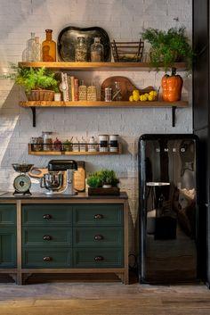 Home Decor Kitchen, Rustic Kitchen, Kitchen Interior, Kitchen Dining, Sweet Home, Cool Kitchens, Kitchen Remodel, House Design, Interior Design