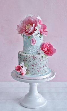 Shabby chic wafer paper flower cake