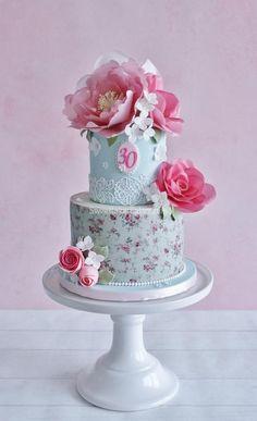 Shabby chic wafer paper flower cake