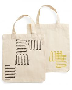 Tote bags created using block-print (and a basic kitchen tool!)