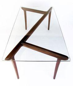 Dinning table // Mesa de comedor cristal