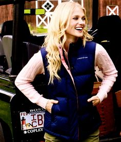 Vineyard Vines (need this puffy vest) Preppy Style, Style Me, Preppy Must Haves, A Passionate Woman, Party Like Gatsby, Fall Outfits, Cute Outfits, Puffy Vest, Sorority Outfits