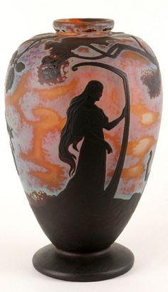 Jacques Gruber (1870-1936) Vase Tristan et Yseult, 1897  Manufacture de Daum. Nancy, Musée des Beaux-Arts