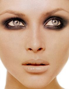 How to get the Perfect Smoky Eye Makeup