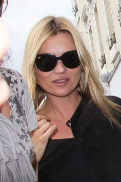 1cfebd4742 Kate Moss Photos Photos - Kate Moss hits the shops with her daughter Lila  Grace and