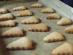 Turta dulce cu miere (14) Cookies, Desserts, Food, Sweet Treats, Tailgate Desserts, Biscuits, Deserts, Essen, Dessert