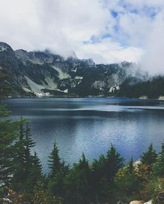 Snow Lake Hiking Trail, WA. Photo by @claratea . TheGreatPNW.com . #UpperLeftUSA #pnw