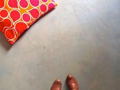 DIY Concrete Floor on the Cheap. and Without the Weight — Design Mom Concrete Finishes, Floor Finishes, Concrete Floors, Diy Concrete, Plywood Subfloor, Beton Diy, Natural Building, Diy Flooring, Flooring Ideas