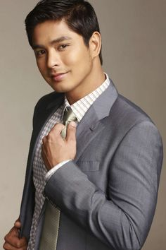 Coco Martin a lot of ladies go gaga over him! Celebrity Crush, Celebrity News, Celebrity Style, Pinoy Hunks, Coco Martin, Paulo Avelino, College Boys, Young Actors, Straight Guys