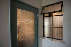タイラ ヤスヒロ建築設計事務所/taira yasuhiro architect & associates の 窓 house_in_nishiyama