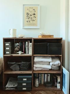 I like this idea for my living room - behind chair on bar wall Craft Room Storage, Storage Spaces, Crate Storage, Office Paint Colors, Apartment Makeover, Storage Solutions, Storage Ideas, My Living Room, Shelving