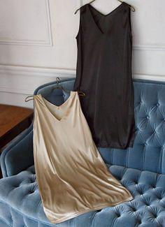 ワンピースを美しく着るために作られた、とっておきのインナーワンピース。特筆すべきはVネックラインなところで、STYLE…