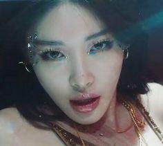 Sulli, Kpop Girl Groups, Kpop Girls, Aaliyah Pictures, Euna Kim, Jennie Lisa, Korean Makeup, I Love Girls, Aesthetic Makeup