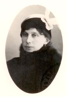 Alexandra Tegleeva, she was nursemaid to the Imperial children. After the revolution she married the Imperial French tutor Pierre Gilliard. The two of them along with Grand Duchess Olga Alexandrovna visited Anna Anderson who claimed to be Anastasia.  After meeting with her for several days and asking her various questions, in Russian and German, they released a statement after their visits that she was not Anastasia.