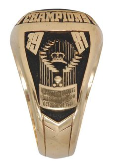 1981 Los Angeles Dodgers World Championship Ring. Centerfielder #44 Ken Landreaux caught the last out in that game.