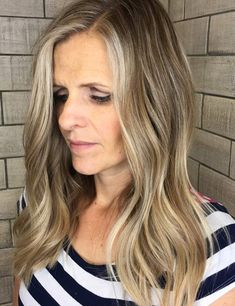 3. Ash Blonde Highlights On Long Wavy Hair Prom Hairstyles All Down, Short Hairstyles Over 50, Classy Hairstyles, Mom Hairstyles, Homecoming Hairstyles, Short Haircuts, Pretty Hairstyles, Brünetter Pixie, Hairdos For Older Women