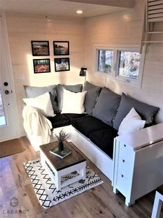 Living Room - Cabane Tiny Cabin (I love this! Tiny Living Rooms, Small Apartment Living, Tiny House Living, Small Space Living, Home Living Room, Living Room Designs, Small Spaces, Small Apartments, Cozy House