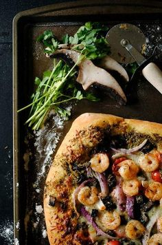 Shrimp, pesto and mushroom pizza