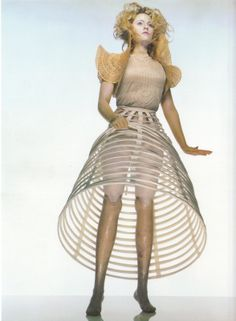 1999 - Aimee Mullins in McQueen . Photography by Nick Knight 4 Dazed & Confused .