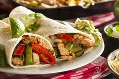 chicken fajitas with guacamole ; guacamole for fajitas ; fajitas with guacamole ; Ww Recipes, Easy Healthy Recipes, Dinner Recipes, Easy Meals, Cooking Recipes, Skinny Recipes, Dinner Menu, Cream Recipes, Dinner Ideas
