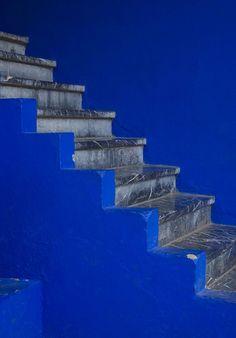 Love Blue, Blue And White, Yves Klein Blue, Le Grand Bleu, Bleu Indigo, Mood Indigo, Graphisches Design, Style Deco, Himmelblau