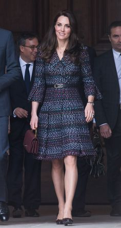 e81aabd042c2 Kate Middleton Unleashes Her Inner French Girl in Chanel. Robe ...