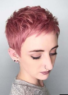 The cute and lively Pixie is one of the most popular short hairs for women. Pixie Haircuts offers a variety of opportunities. For round faces, try pixie with asymmetrical bangs. Pixie Haircut Styles, Short Pixie Haircuts, Pixie Hairstyles, Short Hairstyles For Women, Cool Hairstyles, Pixie Haircut Color, Pixie Mohawk, Pixie Cut Color, Undercut Pixie