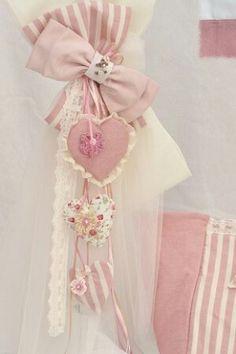 Chic Wedding, Wedding Ideas, Baptisms, Bridal Shower Games, Christening, Elsa, Diy And Crafts, Beading, Palm
