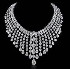 Diamond necklace by Kamyen.