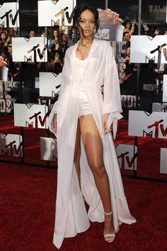 Rihanna Adds Manolo Blahnik to Her List of Shoe Collaborators - Celebrity Style Week: Celebrity Style Fashion and Latest Trends Style Rihanna, Mode Rihanna, Rihanna Looks, Rihanna Outfits, Rihanna Photos, Rihanna Riri, Rihanna Dress, Rihanna Fashion, Rihanna 2014