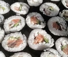 他界  #aesthetic #sushi #japan #japanese #delicious #salmom #kawaii