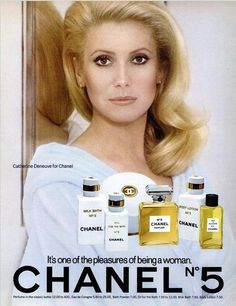 Catherine Deneuve in Chanel ad, 1976 Perfume Chanel, Perfume Ad, Vintage Perfume, Vintage Chanel, Vintage Ads, Chanel No 5, Chanel Beauty, Beauty Ad, Grace Beauty