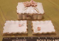 Vintage ROYAL SEALY Trinket Box w Floral Lid & 2 Trays PRETTY
