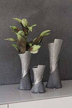 Risultati immagini per vasi in ceramica Hand Built Pottery, Slab Pottery, Pottery Vase, Ceramic Pottery, Pottery Painting Designs, Pottery Designs, Clay Vase, Ceramic Vase, Vase Deco