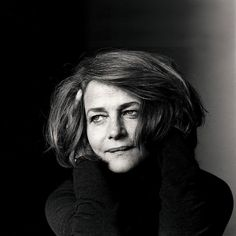 """""""I don't want to play everything. So I'll seek out roles that I'll say 'This is edgy. This is fun. This is wicked. This suits me."""" - Charlotte Rampling #charlotterampling #45years #oscars2016  Existem muitas formas de ver Cinema. Visite agora o blog Mundo de Cinema em http://ift.tt/1R7HDEj"""