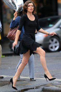 Celebrity Leg Show: Milla Jovovich Most Beautiful Eyes, World Most Beautiful Woman, Beautiful People, Milla Jovovich, Tough Woman, Richard Avedon, Beautiful Celebrities, Female Celebrities, Hollywood Celebrities