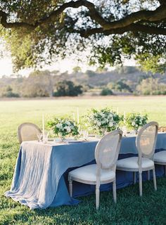 Carats & Cake : Glittering Seaside Wedding There's something breathtaking about mixing a sparkling table with elements of the natural world in this lovely seaside wedding. [Linens featured - Brooklyn Nude | Nuovo Navy Blue]