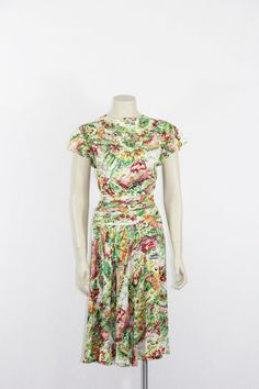 1940s Vintage Dress - Watercolor Garden Novelty Print - Cut on the Bias Dress - 38 / 30 / full