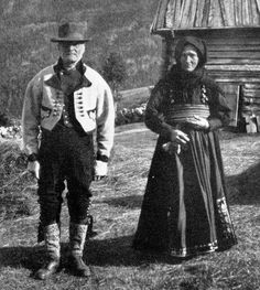 FolkCostume&Embroidery: Gråtrøje costume of East Telemark, Norway Antique Photos, Old Photos, Folk Costume, Costumes, Traditional Dresses, Norway, Scandinavian, Safari, Goth
