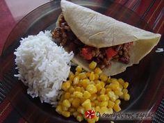 Τσίλι κον κάρνε #sintagespareas Greek Recipes, Grains, Rice, Mexican, Traditional, Cooking, Ethnic Recipes, Kitchen, Food