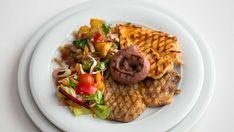 Grill cu ceafa de porc, piept de pui & carnacioari
