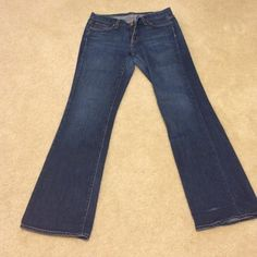 J Crew Bootcut Jeans 30short. EUC J Crew Bootcut Jeans 30short. Inseam measures 29 inches. Has a slight fray at the bottom of 1 leg. See picture aboveNot interested in trades. Thanks J. Crew Jeans Boot Cut